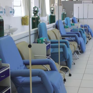 29ª Campanha: Reposição gradual de cadeiras para a Quimioterapia